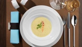 Suppenteller & -tassen