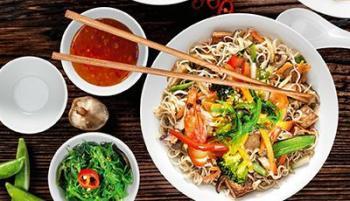 Asiatisch kochen & servieren